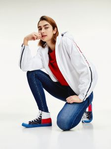 tommy-jeans-naisten-takki-tjw-branded-sleeves-windbraker-valkoinen-5