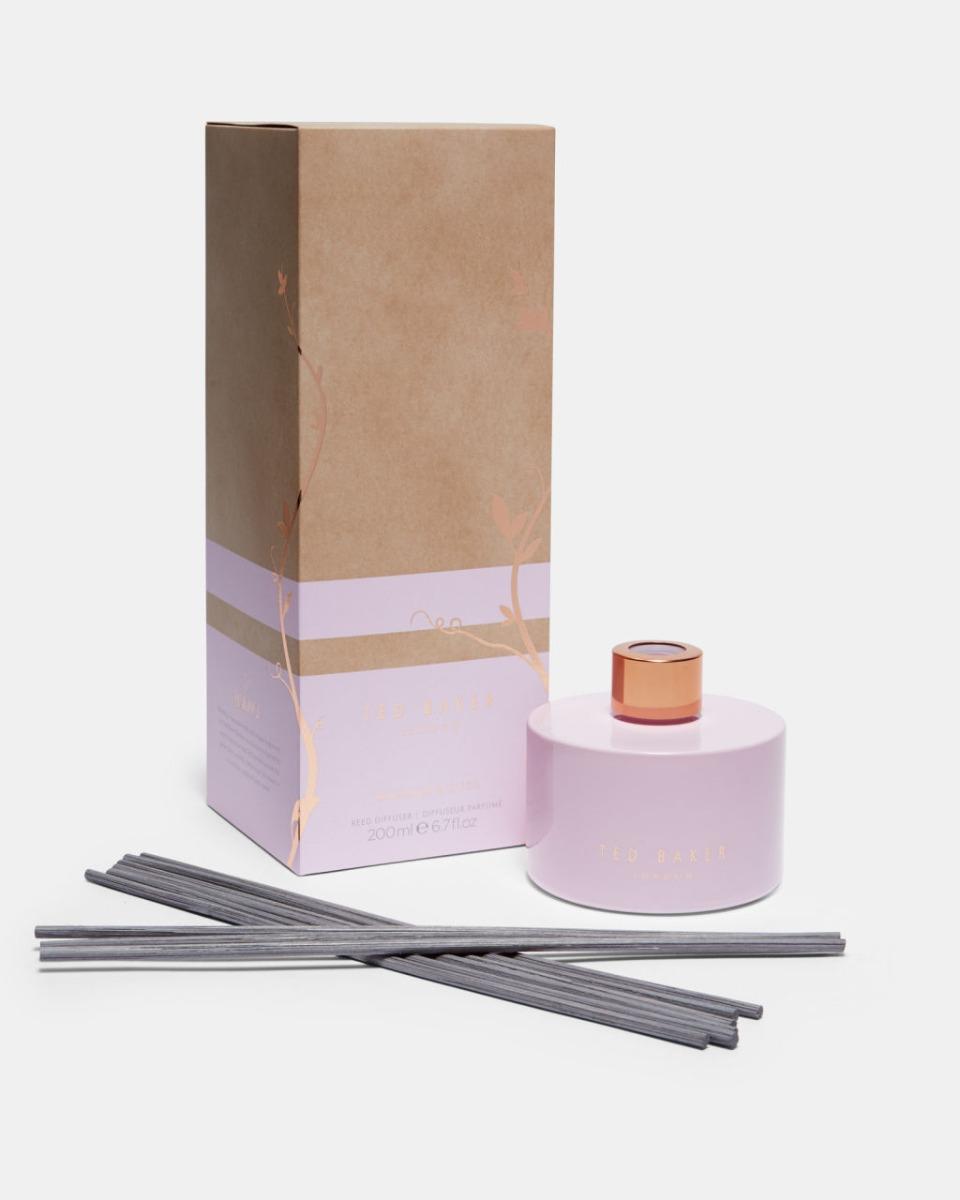 Ted Baker Huonetuoksu, Bergamot & Cassis Vaaleanpunainen